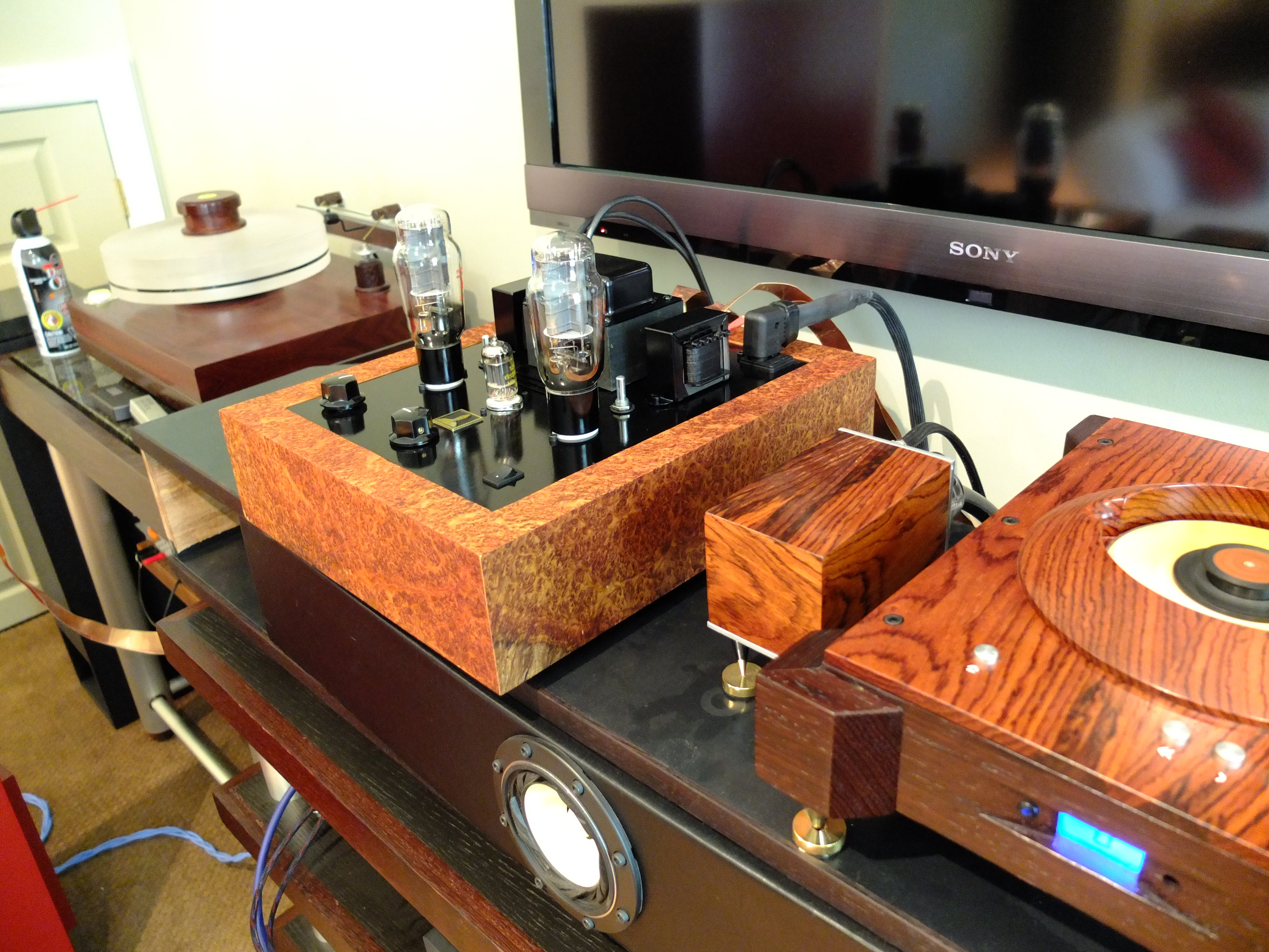 Electronics | Custom-made speakers and audio gear